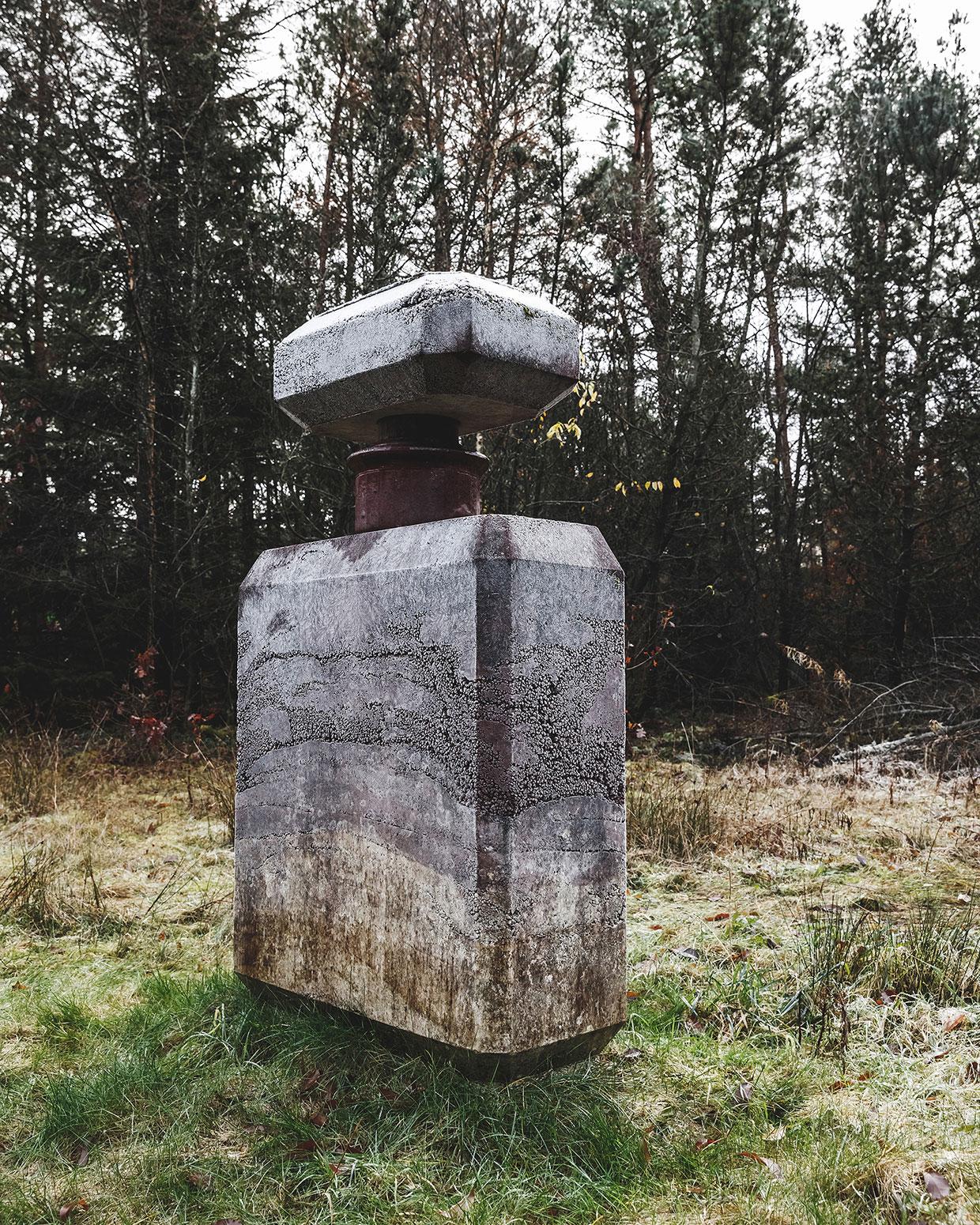 Nanna Abell, AW14 (Concrete Flacon), 2014. Deep Forest Art Land (Skovsnogen). Photo: R. Hjortshøj